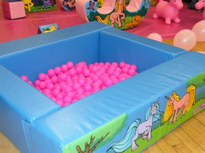 Unicorns Ball pool